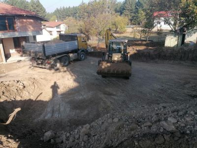 Камион самосвал под наем Плевен